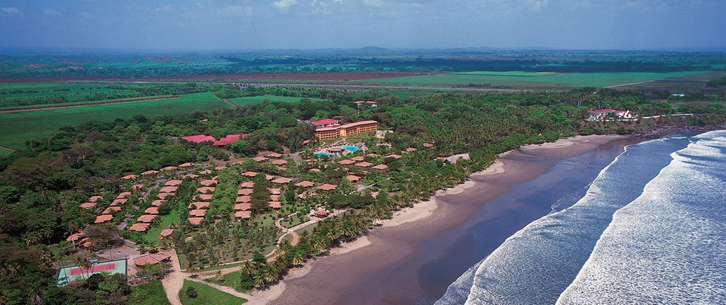Visit Nicaragua: the best beaches right in front of the Barceló Montelimar Hotel