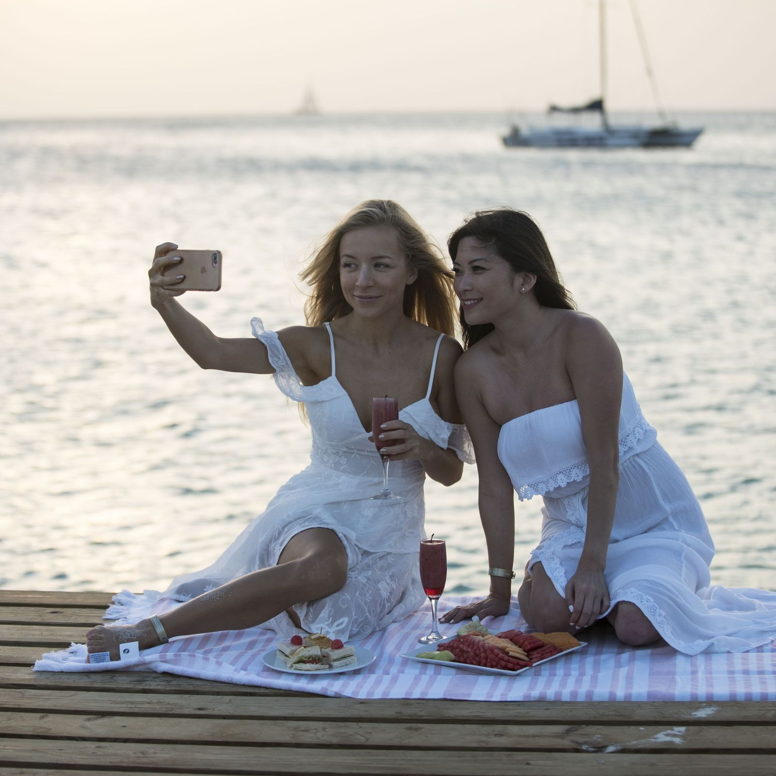 La influencer Travel In Her Shoes viaje a Aruba con amigos